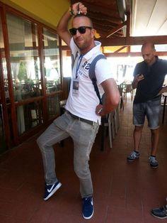 Il Bianconiglione @Luca_Preziosi nell'esercizio delle sue funzioni #AlTrasimeno foto di @gplexousted
