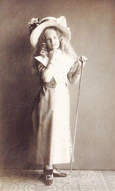 Princess Elisabeth Helene von Thurn und Taxis, later Margravine of Meissen. Early 1910s
