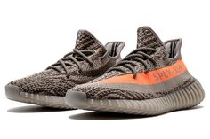 """Thông tin bên lề của một vài phát hành nổi bật tuần:  adidas Gazelle """"Ostrich"""" Pack: Pack gồm hai mẫu Gazelle phối màu Tan và Đen với chất liệu da đà điểu làm điểm nhấn ở phần Swoosh, kết hợp cùng nubuck cao cấp cho toàn bộ thân giày. Pharrell Williams x adidas NMD Human Race: Một đợt dội bom với tổng công 5 phối màu mới của thiết kế NMD Human Race được ra mắt. Trong số đó có hai phối màu Xanh Lá va Đỏ đặc biệt với cách bố trí text trên thân giày khác hẳn so với các lần phát hành tr..."""