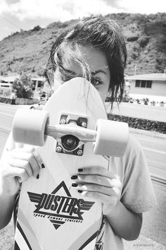 Find images and videos about girl, love and skate on We Heart It - the app to get lost in what you love. Skate Style, Girls Rules, Skater Girls, Longboarding, Strike A Pose, Skateboard, Pictures, Image, Beauty