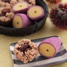 Wagashi: potato and chestnut-  representative tastes of fall.【きんとん】黄身あんと栗あんを使用し、秋の味覚の代表である栗と芋を作ります。本物そっくりな可愛らしいお菓子です。