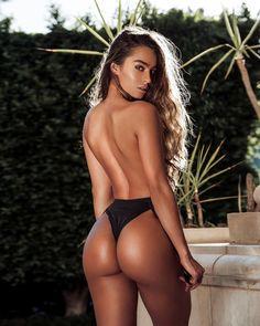 heiße Brünette topless