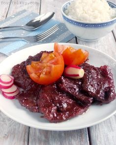 Tocino Recipe (Sweet Cured Pork) Tocino is a sweet cured meat typically served as Filipino breakfast. Try this easy and simple pork tocino recipe for that sweet, savory and tender tocino. Filipino Dishes, Filipino Recipes, Asian Recipes, Ethnic Recipes, Filipino Food, Pinoy Recipe, Pork Recipes, Cooking Recipes, Cooking 101