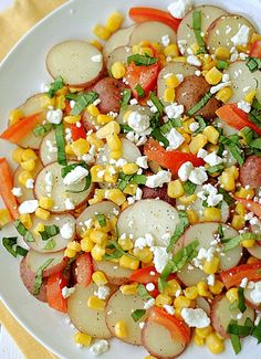 Not only does this summer veggie potato salad taste delicious, it is also beautiful! This healthy salad will be a refreshing addition to my Easter dinner table! | eat yourself skinny