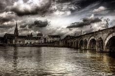 Sint Servaasbrug in Maastricht. #hdr #hdrphotography