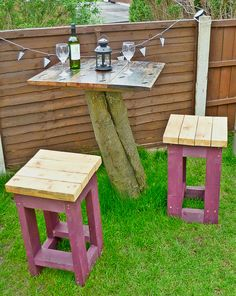 Tree Top Table and Stools Made from Reclaimed Timber . Tree Top Table and Stools Made from Reclaimed Timber Got an old Tree stump? Recycled Furniture, Unique Furniture, Garden Furniture, Pallet Furniture, Furniture Ideas, Tree Stump Table, Tree Table, Garden Bar, Garden Table