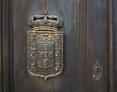À porta do D. Maria