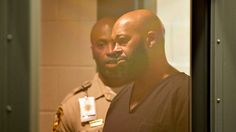 Suge Knight out of hospital and back to jail  Read more: http://www.bellenews.com/2015/02/05/entertainment/suge-knight-hospital-back-jail/#ixzz3QtT3jg94 Follow us: @bellenews on Twitter | bellenewscom on Facebook
