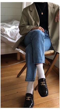 Cute Outfits For School, Fall Outfits For Work, Winter Outfits, Chanel Loafers, Loafers With Socks, Loafer Socks, Socks Outfit, Loafers Outfit Summer, Clogs