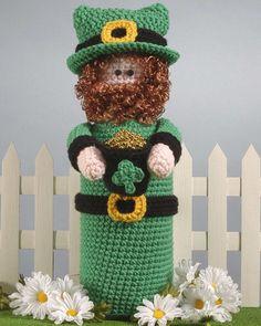 Crochet bottle topper for St. Patrick's Day.