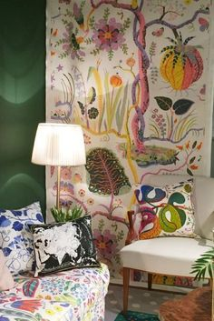 "Josef Frank's wallpaper and textiles. Expo ""Josef Frank: Patterns – Paintings – Furniture"" at the Fashion and Textile Museum, London Josef Frank, Home Interior, Interior Design, Love Your Home, Modern Wallpaper, Textiles, Painting Patterns, Wall Spaces, Cool Walls"