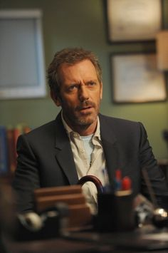 """House (Hugh Laurie) in the """"Holding On"""" episode of HOUSE."""