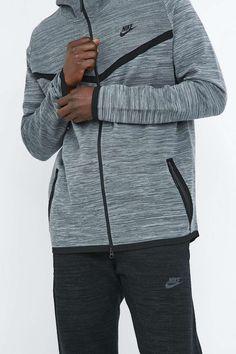 Nike Tech Knit Grey Windrunner Hoodie. Veste NikeStyle HommeHomme FemmeNike  VêtementsTenues SportivesVêtements De SportVêtements ... 7e38830f045c