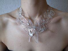 necklace :silver 一枚一枚は平面の羽根ですが、身に着けることで立体感が生まれます。 まるで、空気を含んで息を吹き返すかのように。 Every ...|ハンドメイド、手作り、手仕事品の通販・販売・購入ならCreema。