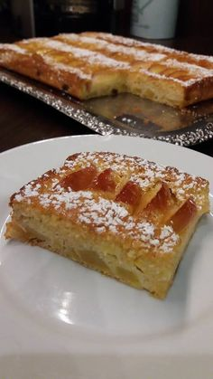 Γρήγορη Ιταλική μηλόπιτα Greek Cake, Cake Recipes, Dessert Recipes, Greek Sweets, Chocolate Pies, Greek Recipes, Dessert Bars, Deserts, Food And Drink