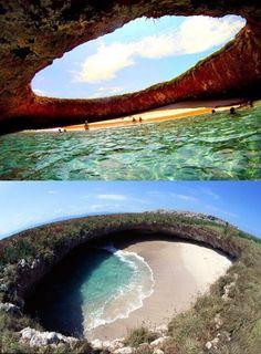 """Messico. Nayarit. Marieta Islands. Ci si entra In barca, il posto si chiama """"islas marietas"""" e si trova a Nayarit, Messico, vicino a Puerto Vallarta"""