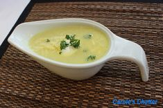 Carole's Chatter: Cauliflower soup with a touch of curry Curried Cauliflower Soup, Curry Powder, Cheeseburger Chowder, Sour Cream, Quotations, Yummy Food, Lunch, Stuffed Peppers