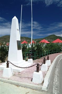 Dutch-side-to-French-side Border Crossing, St Maarten - That's it... Super easy.