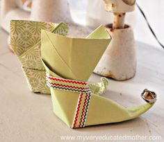 @mvemother Origami Elf Boot #NUO2012