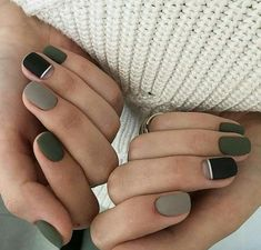 The advantage of the gel is that it allows you to enjoy your French manicure for a long time. There are four different ways to make a French manicure on gel nails. Gray Nails, Black Nails, Matte Nails, Matte Green Nails, Black Polish, Matte Black, Acrylic Nails, Minimalist Nails, Green Nail Art
