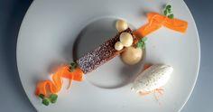 Mrkvový dort, citronový krém, mascarpono-citronová zmrzlina, presované plátky mrkve : Marco Pilloni