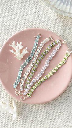 Handmade Wire Jewelry, Diy Crafts Jewelry, Cute Jewelry, Handmade Bracelets, Jewelry Accessories, Beaded Bracelets, Beaded Jewelry Designs, Stretch Bracelets, Jewlery