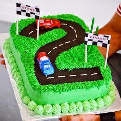ideas cars cake for boys birthday year old 2 Year Old Birthday Cake, Toddler Birthday Cakes, 2nd Birthday Boys, Cars Birthday Parties, Hotwheels Birthday Cake, Car Cakes For Boys, Race Car Cakes, Race Track Cake, Bolo Blaze