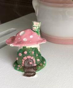 Pet Snails, Girl Cave, Feeling Happy, Fairy Tales, Pottery, Ceramics, Creative, Pretty, Cute