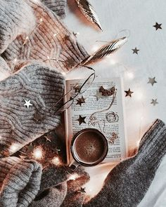 Flatlay Inspiration · via Custom Scene · Faery lights with woolly jumper and hot drink. Autumn Aesthetic, Christmas Aesthetic, Book Aesthetic, Christmas Mood, Noel Christmas, Xmas, Christmas Flatlay, Hygge, Imagenes Color Pastel