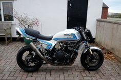 V4MuscleBike.com - View Single Post - The VFX - Magna conversion in tribute of early 80s AMA Superbikes.