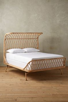 Curved Rattan Bed - anthropologie.eu - king size no mattress 1400