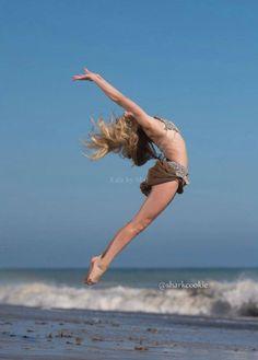 Dance Moms Colour Swap/Change - Chloe Lukasiak - Sharkcookie Photo Shoot ~ Blue -> Brown - Edit by @melinonasgard