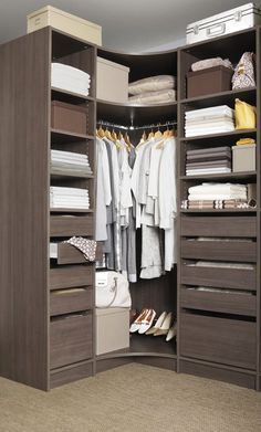Dressing Room Design for Inspiration You : Locate the most effective clothing area ideas, styles & motivation to match your design. Check out images of dressing rooms & wardrobes to create your ideal home. Corner Closet, Corner Wardrobe, Wardrobe Design Bedroom, Bedroom Wardrobe, Small Wardrobe, Small Dressing Rooms, Dressing Room Closet, Dressing Room Design, Dressing Angle