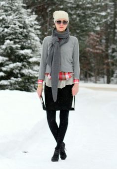 I love the way the scarf is tied and I like the entire outfit as well