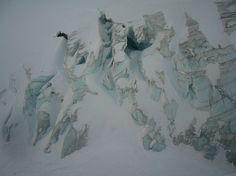 Gletscherspalten im Windkessel der Mutthornhütte. - Fotos [hikr.org]