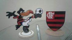 Mascote e escudo do flamengo feito de mdf fabricado por AbreuArtesVisuais.