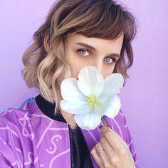 ⠀🌸 Я люблю своего мужа, ребёнка и родителей. ⠀🌸Я люблю гулять когда весной все цветёт и светит солнце. ⠀🌸Люблю запах цветов в вазе на…