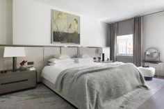 22 Dreamy Gray Bedrooms on The Study: The @1stdibs Blog | https://www.1stdibs.com/blogs/the-study/gray-bedrooms/