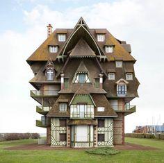 19 bâtiments impossibles et surréalistes