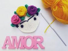 Hecho Con Dulce Amor: Frida Kahlo a Crochet Crochet Home, Crochet Gifts, Diy Crochet, Crochet Baby, Crochet Applique Patterns Free, Crochet Motif, Unique Crochet, Love Crochet, Crochet Coffee Cozy