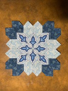 Heart Quilt Pattern, Quilt Patterns, Contemporary Quilts, I Love Lucy, English Paper Piecing, Homemade Crafts, Free Motion Quilting, Quilting Ideas, Quilt Blocks