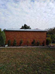 Most pedig megmutatjuk, hogy néz ki oldalról egy aranytölgy fahatású mobilgarázs Garage Doors, Outdoor Decor, Home Decor, Decoration Home, Room Decor, Home Interior Design, Carriage Doors, Home Decoration, Interior Design