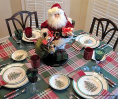 #Spode Christmas table setting, complete with Santa centerpiece.
