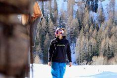 Outdoorkleidung aus dem Allgäu von Adele Bergzauber.   #adelebergzauber #merino #merinopullover #berge #mountainbike #mtb #klettern #bouldern #draussen #outdoorbekleidung #allgäu #kempten Adele, Merino Pullover, Sport, La Mode, Bouldering, Climbing, Mountains, Sports