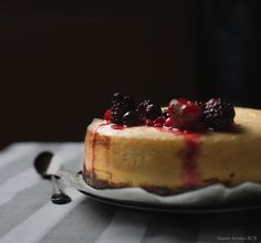Pastel Cheesecake-Tiramisú (dos en uno)  http://sweetaromabcn.blogspot.com.es/2015/03/cheesecake-tiramisu.html