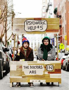 Bret McKenzie and Jemaine Clement are here for your psychiatric needs (I miss Flight of the Conchords!)