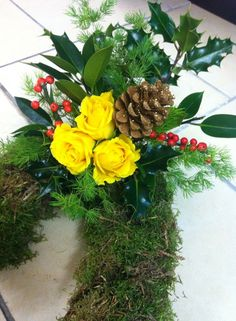 Christmas yellow rose open heart wreath