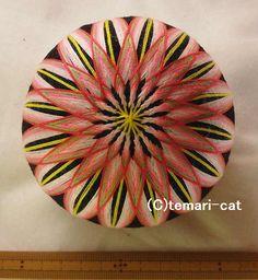 てまり「菊」黒地 桃花 10cm 手まり 手毬 手鞠