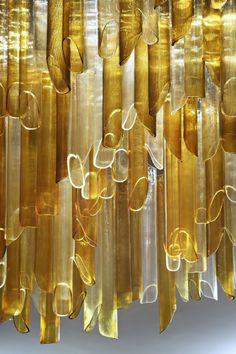 Glass tube chandelier ¿Quieres que te dotemos de superpoderes para decorar tu hogar con nuestra poderosa app? Visitanos,decora y conoce el precio al instante. www.youcandeco.com