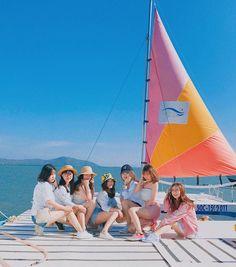 Mode Ulzzang, Ulzzang Korean Girl, Cute Korean Girl, Ulzzang Couple, Friends Group Photo, Best Friends Aesthetic, Korean Best Friends, Bff Girls, Girl Friendship